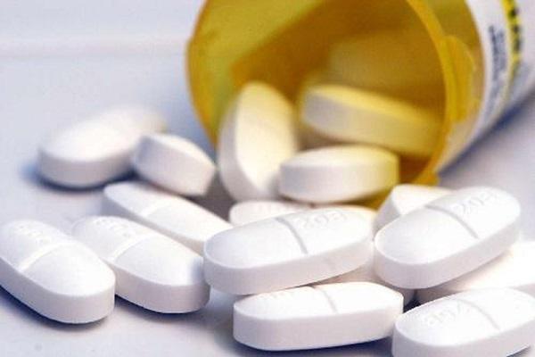 Các loại thuốc giảm đau có thể dùng cho người giãn dây chằng