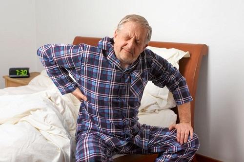 Tuổi tác kéo theo nhiều suy giảm gây nên nhiều bệnh lý xương khớp