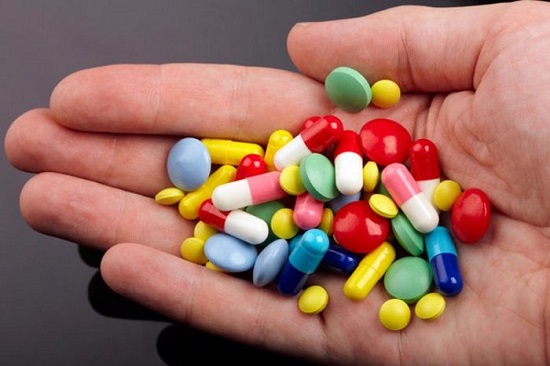 Lạm dụng thuốc giảm đau là điều nên tránh để bảo vệ xương khớp