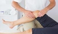 Đau đầu gối khi đứng lên ngồi xuống cảnh báo bệnh gì? Cách khắc phục?